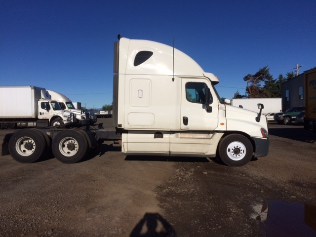 Sleeper Tractor-Heavy Duty Tractors-Freightliner-2012-Cascadia 12564ST-YAKIMA-WA-479,692 miles-$44,750