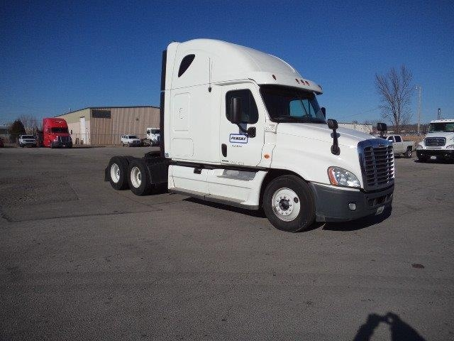 Sleeper Tractor-Heavy Duty Tractors-Freightliner-2012-Cascadia 12564ST-FORT SMITH-AR-665,120 miles-$34,500