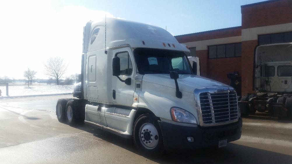 Sleeper Tractor-Heavy Duty Tractors-Freightliner-2012-Cascadia 12564ST-OAK CREEK-WI-539,225 miles-$34,750