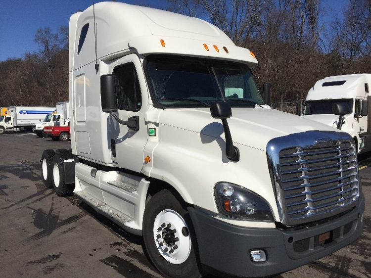 Sleeper Tractor-Heavy Duty Tractors-Freightliner-2012-Cascadia 12564ST-KNOXVILLE-TN-713,565 miles-$28,500