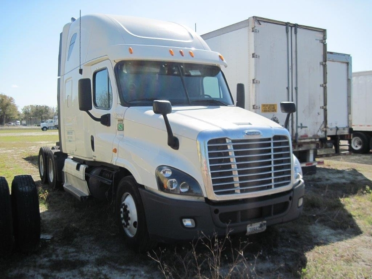 Sleeper Tractor-Heavy Duty Tractors-Freightliner-2012-Cascadia 12564ST-NASHVILLE-TN-509,713 miles-$20,000