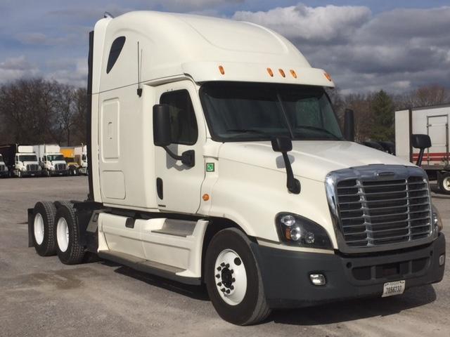 Sleeper Tractor-Heavy Duty Tractors-Freightliner-2012-Cascadia 12564ST-SMYRNA-TN-620,157 miles-$33,000