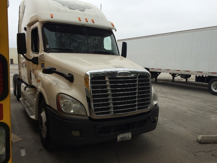 Sleeper Tractor-Heavy Duty Tractors-Freightliner-2012-Cascadia 12564ST-CITY OF INDUSTRY-CA-489,613 miles-$18,500