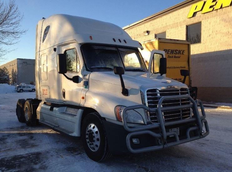 Sleeper Tractor-Heavy Duty Tractors-Freightliner-2012-Cascadia 12564ST-EAGAN-MN-552,470 miles-$35,250