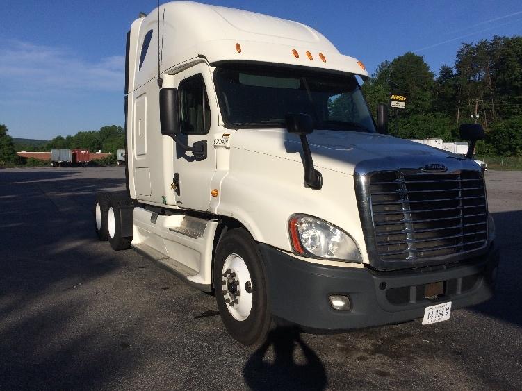 Sleeper Tractor-Heavy Duty Tractors-Freightliner-2012-Cascadia 12564ST-MARTINSVILLE-VA-620,930 miles-$35,750