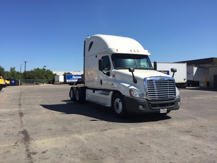 Sleeper Tractor-Heavy Duty Tractors-Freightliner-2012-Cascadia 12564ST-MILWAUKEE-WI-453,850 miles-$37,000