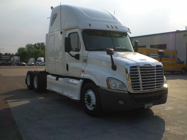 Sleeper Tractor-Heavy Duty Tractors-Freightliner-2012-Cascadia 12564ST-BELDEN-MS-448,306 miles-$40,750