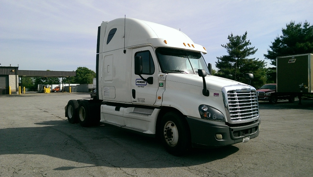 Sleeper Tractor-Heavy Duty Tractors-Freightliner-2012-Cascadia 12564ST-CHARLOTTE-NC-518,915 miles-$35,750