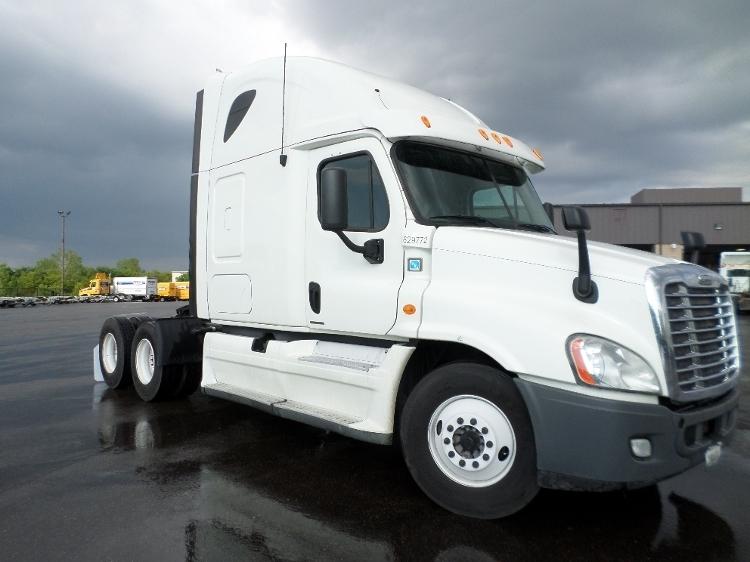 Sleeper Tractor-Heavy Duty Tractors-Freightliner-2012-Cascadia 12564ST-KENTWOOD-MI-637,969 miles-$33,000