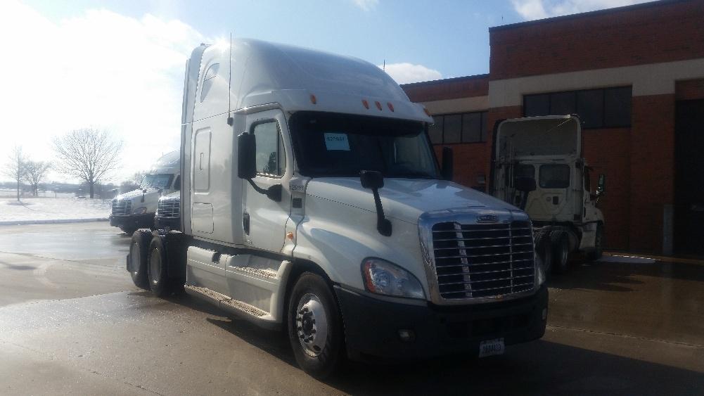 Sleeper Tractor-Heavy Duty Tractors-Freightliner-2012-Cascadia 12564ST-OAK CREEK-WI-579,733 miles-$33,000