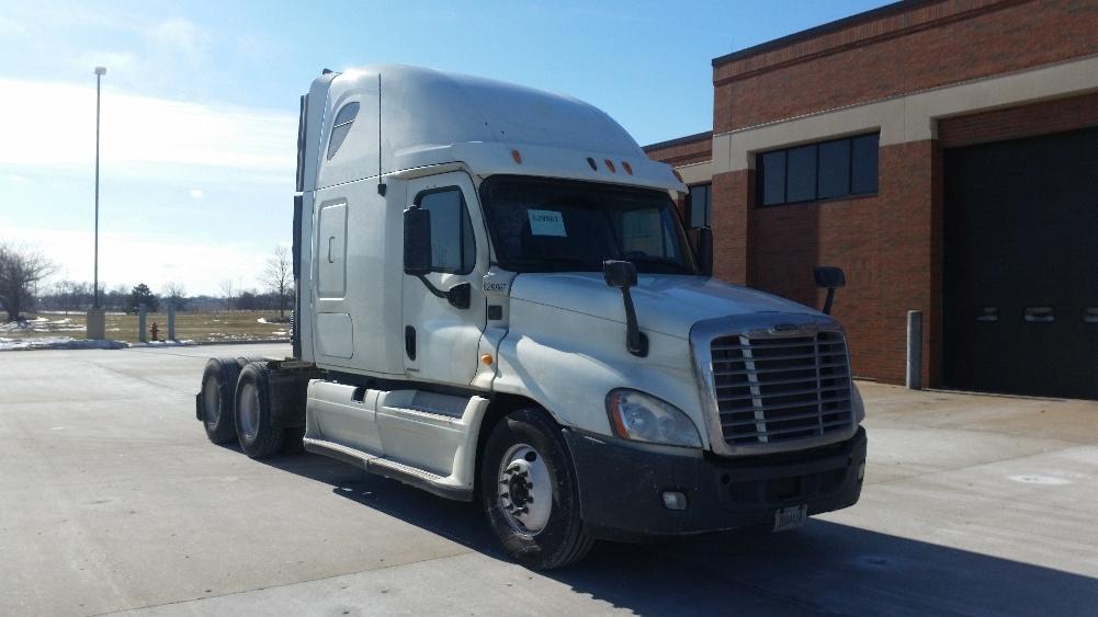Sleeper Tractor-Heavy Duty Tractors-Freightliner-2012-Cascadia 12564ST-OAK CREEK-WI-659,948 miles-$34,250