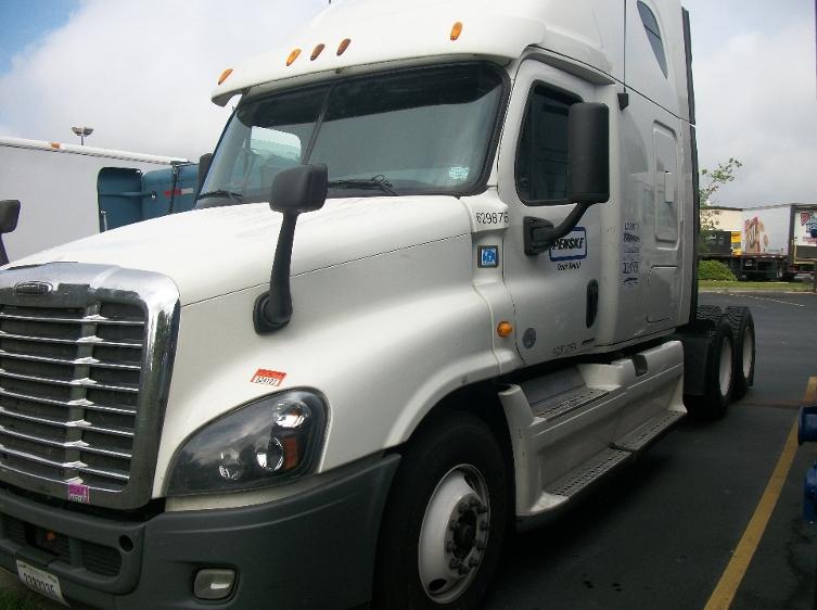 Sleeper Tractor-Heavy Duty Tractors-Freightliner-2012-Cascadia 12564ST-WEST COLUMBIA-SC-461,398 miles-$22,000