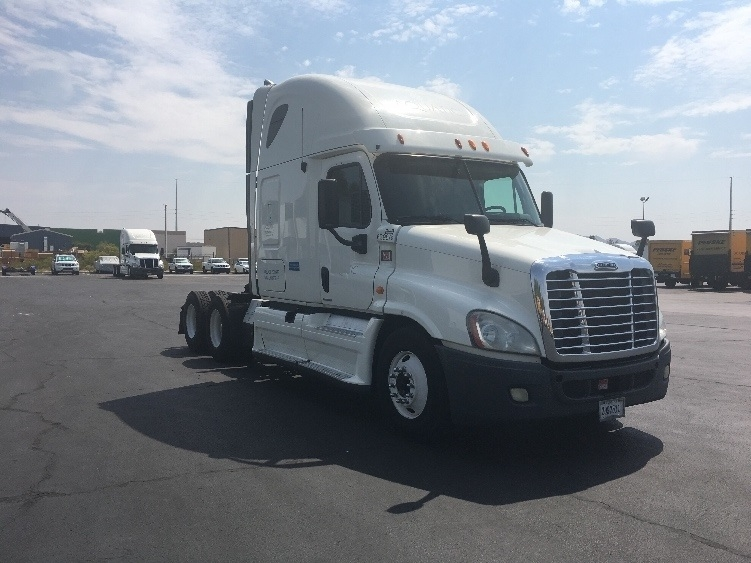 Sleeper Tractor-Heavy Duty Tractors-Freightliner-2012-Cascadia 12564ST-LAS VEGAS-NV-561,652 miles-$43,000