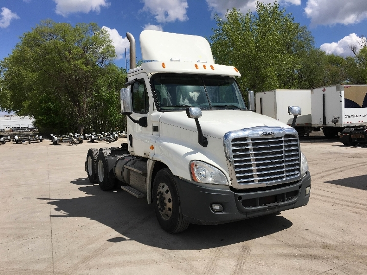 Day Cab Tractor-Heavy Duty Tractors-Freightliner-2012-Cascadia 12564ST-DES MOINES-IA-449,006 miles-$37,250