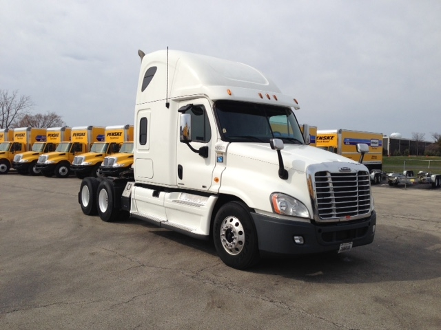 Sleeper Tractor-Heavy Duty Tractors-Freightliner-2012-Cascadia 12564ST-EARTH CITY-MO-525,364 miles-$16,000
