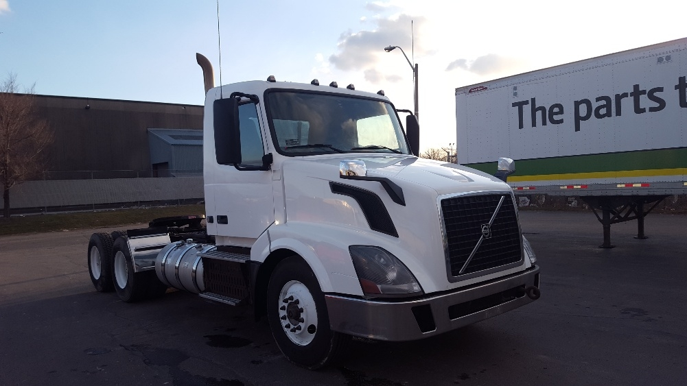 Day Cab Tractor-Heavy Duty Tractors-Volvo-2012-VNL64T300-MISSISSAUGA-ON-504,346 km-$30,750