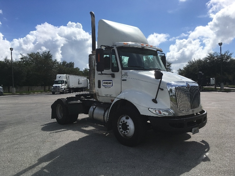 Day Cab Tractor-Heavy Duty Tractors-International-2012-8600-SAINT PETERSBURG-FL-217,841 miles-$22,500
