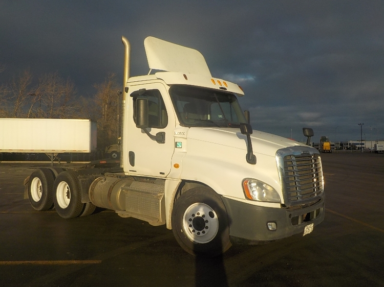 Day Cab Tractor-Heavy Duty Tractors-Freightliner-2012-Cascadia 12564ST-SAINT LAURENT-PQ-364,297 km-$56,250