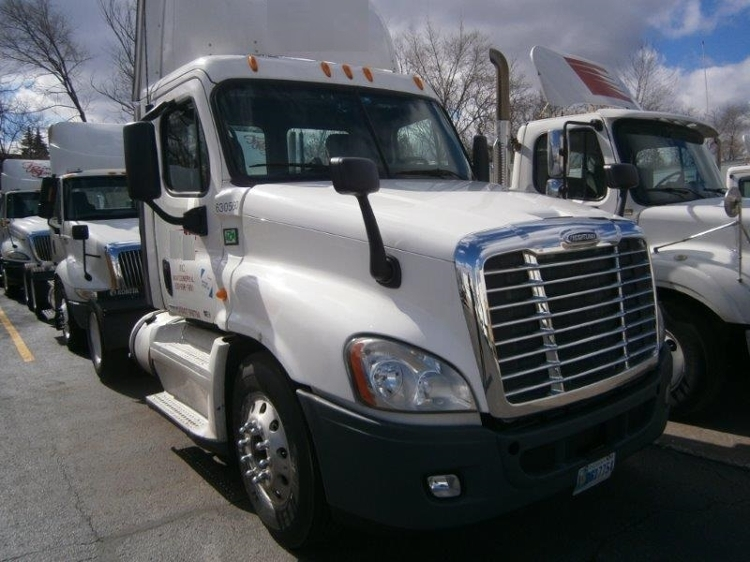 Day Cab Tractor-Heavy Duty Tractors-Freightliner-2012-Cascadia 12542ST-MONTGOMERY-IL-469,000 miles-$13,000