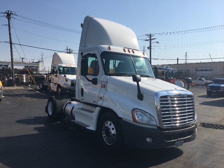 Day Cab Tractor-Heavy Duty Tractors-Freightliner-2012-Cascadia 12542ST-SAINT LOUIS-MO-417,855 miles-$31,250