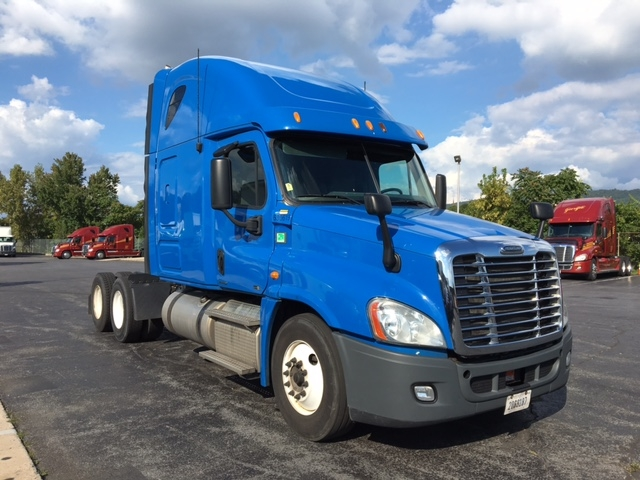 Sleeper Tractor-Heavy Duty Tractors-Freightliner-2012-Cascadia 12564ST-PERRYSBURG-OH-457,471 miles-$41,750
