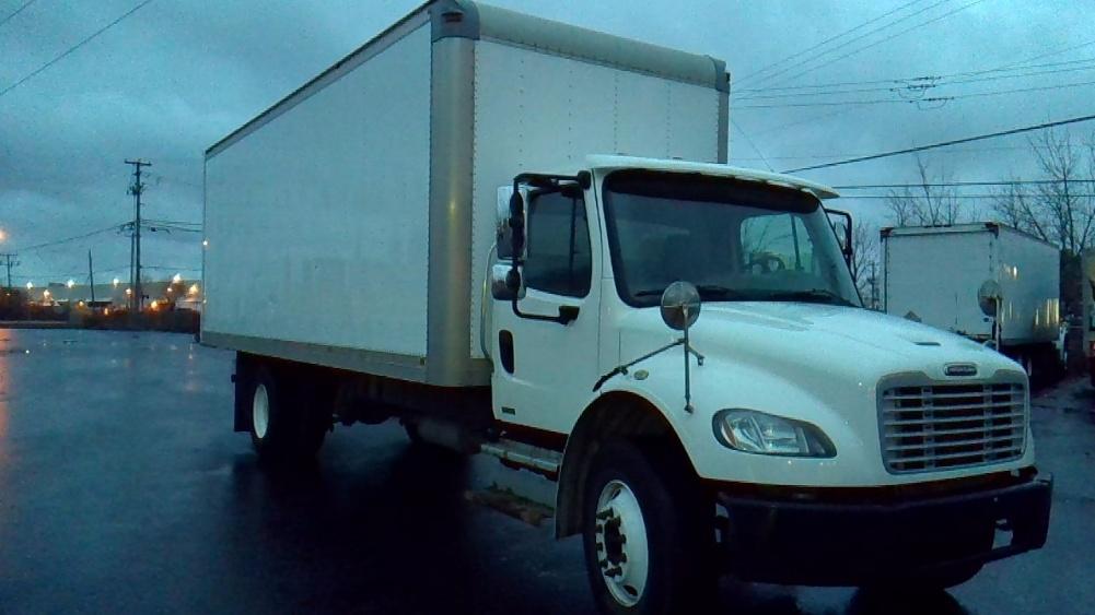 Medium Duty Box Truck-Light and Medium Duty Trucks-Freightliner-2012-M2-BOUCHERVILLE-PQ-250,050 km-$36,250