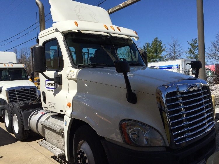 Day Cab Tractor-Heavy Duty Tractors-Freightliner-2012-Cascadia 12564ST-BALTIMORE-MD-480,892 miles-$36,000