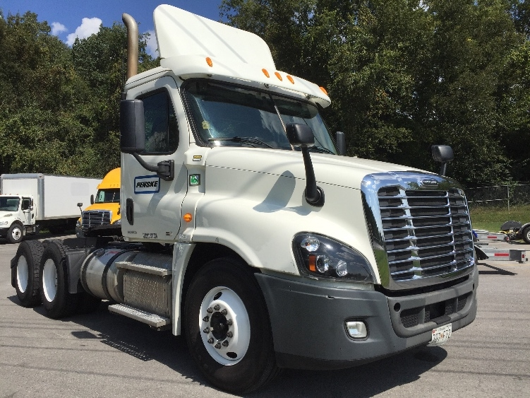 Day Cab Tractor-Heavy Duty Tractors-Freightliner-2012-Cascadia 12564ST-CAPITOL HEIGHTS-MD-296,744 miles-$43,500