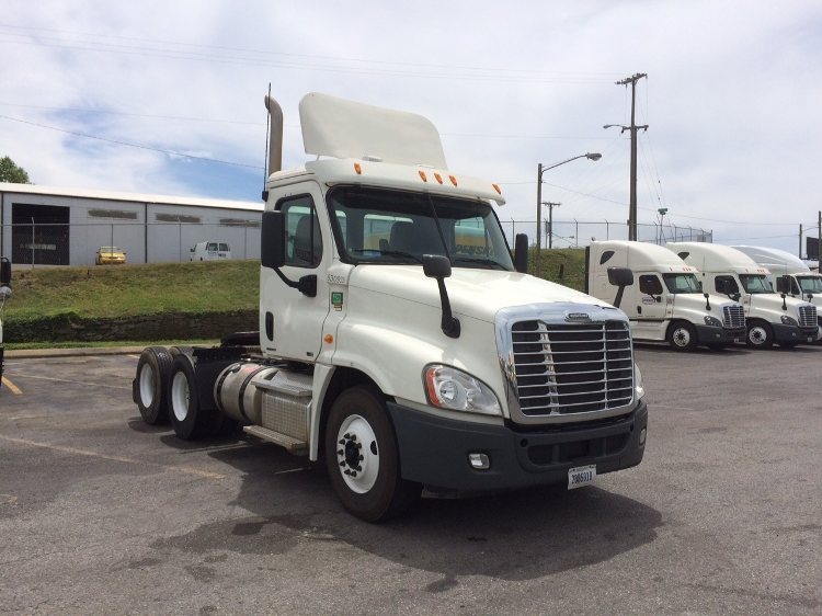 Day Cab Tractor-Heavy Duty Tractors-Freightliner-2012-Cascadia 12564ST-MONTGOMERY-NY-256,153 miles-$41,000