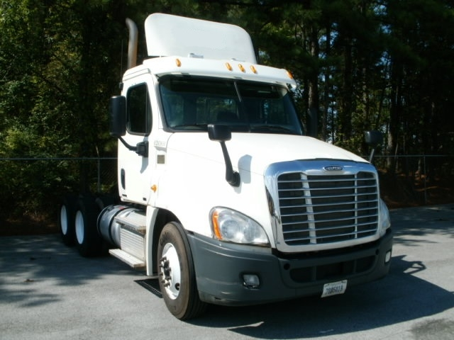 Day Cab Tractor-Heavy Duty Tractors-Freightliner-2012-Cascadia 12564ST-BOAZ-AL-262,062 miles-$47,000
