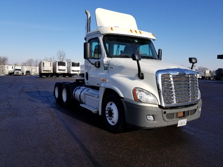 Day Cab Tractor-Heavy Duty Tractors-Freightliner-2012-Cascadia 12564ST-EAGAN-MN-385,249 miles-$35,250