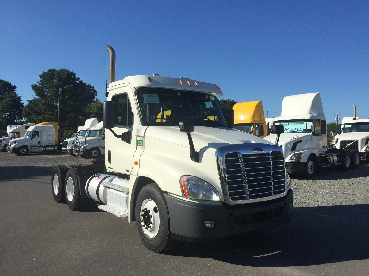 Day Cab Tractor-Heavy Duty Tractors-Freightliner-2012-Cascadia 12564ST-WEST COLUMBIA-SC-225,174 miles-$48,000
