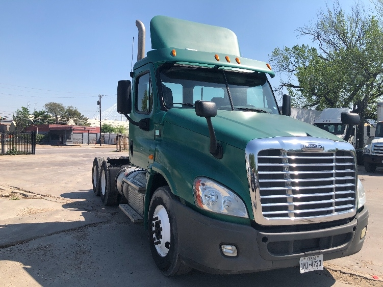 Day Cab Tractor-Heavy Duty Tractors-Freightliner-2012-Cascadia 12564ST-DALLAS-TX-206,615 miles-$38,750