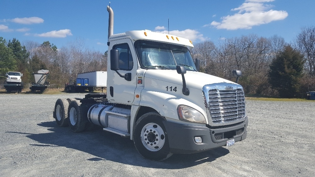 Day Cab Tractor-Heavy Duty Tractors-Freightliner-2012-Cascadia 12564ST-CHARLOTTE-NC-584,783 miles-$26,250