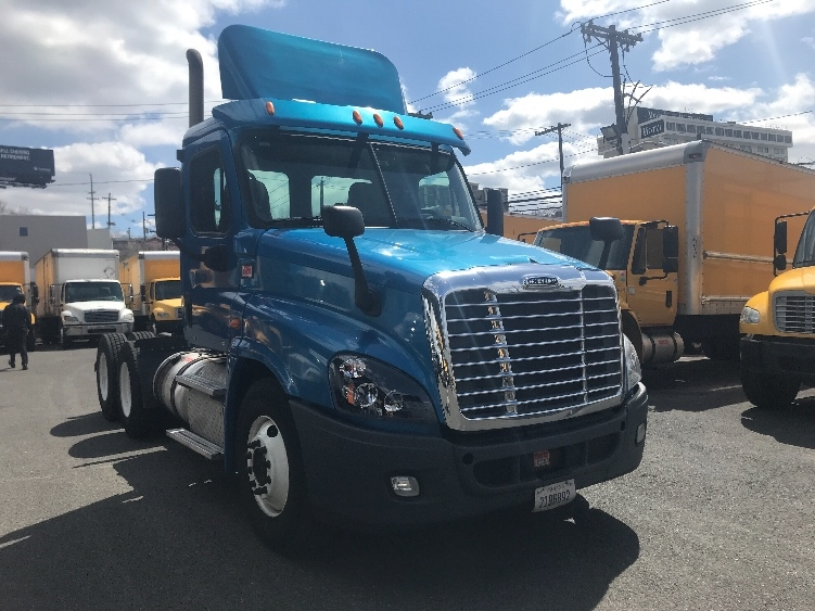 Day Cab Tractor-Heavy Duty Tractors-Freightliner-2012-Cascadia 12564ST-NORTH BERGEN-NJ-246,147 miles-$35,500