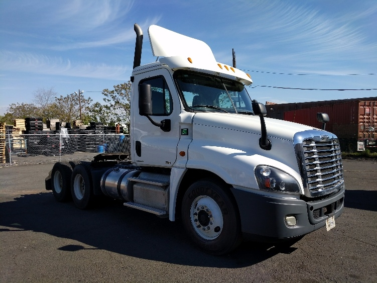 Day Cab Tractor-Heavy Duty Tractors-Freightliner-2012-Cascadia 12564ST-LINDEN-NJ-220,825 miles-$40,250