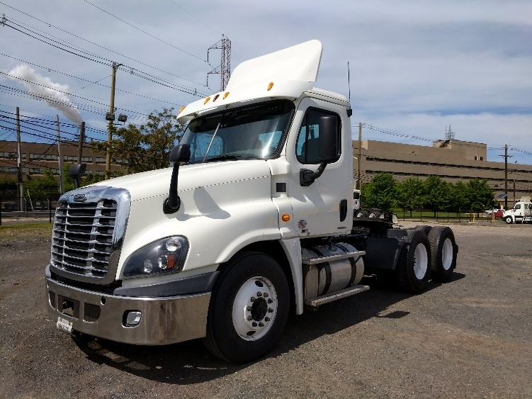 Day Cab Tractor-Heavy Duty Tractors-Freightliner-2012-Cascadia 12564ST-LINDEN-NJ-222,401 miles-$40,250