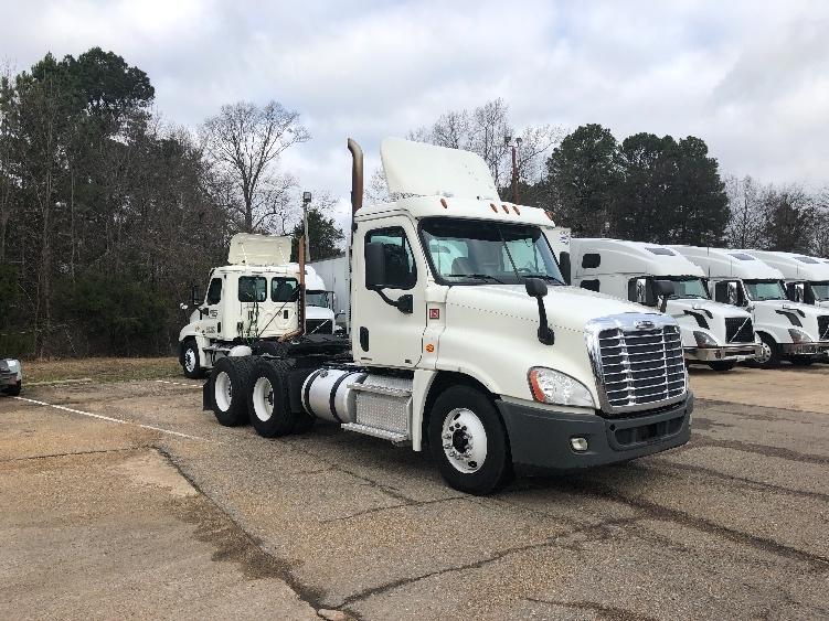 Day Cab Tractor-Heavy Duty Tractors-Freightliner-2012-Cascadia 12564ST-BELDEN-MS-453,683 miles-$33,750