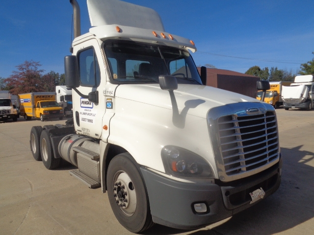 Day Cab Tractor-Heavy Duty Tractors-Freightliner-2012-Cascadia 12564ST-BELCAMP-MD-237,961 miles-$47,750