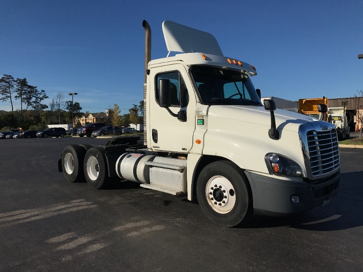 Day Cab Tractor-Heavy Duty Tractors-Freightliner-2012-Cascadia 12564ST-BALTIMORE-MD-210,381 miles-$44,000