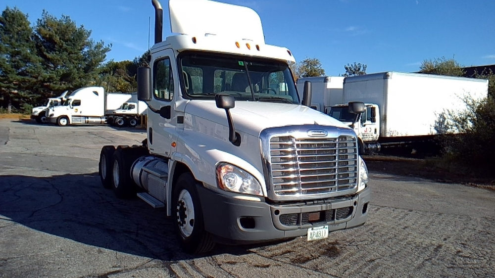 Day Cab Tractor-Heavy Duty Tractors-Freightliner-2012-Cascadia 12564ST-HUDSON-NH-285,571 miles-$41,750