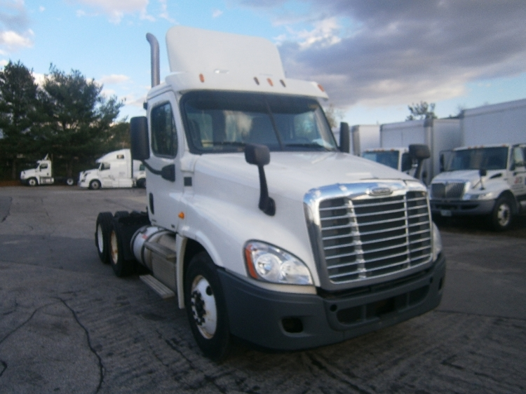 Day Cab Tractor-Heavy Duty Tractors-Freightliner-2012-Cascadia 12564ST-HUDSON-NH-264,779 miles-$42,250
