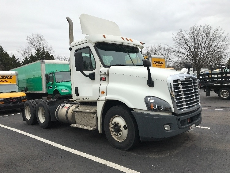 Day Cab Tractor-Heavy Duty Tractors-Freightliner-2012-Cascadia 12564ST-CAPITOL HEIGHTS-MD-393,671 miles-$29,500