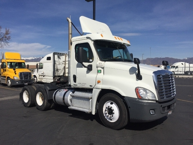 Day Cab Tractor-Heavy Duty Tractors-Freightliner-2012-Cascadia 12564ST-WEST VALLEY CITY-UT-559,386 miles-$31,000
