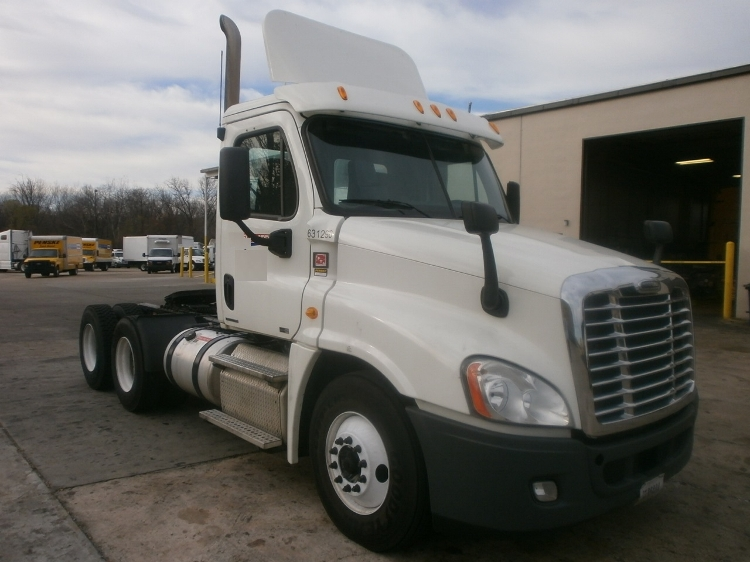 Day Cab Tractor-Heavy Duty Tractors-Freightliner-2012-Cascadia 12564ST-MEMPHIS-TN-523,027 miles-$33,000