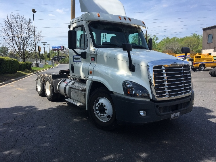 Day Cab Tractor-Heavy Duty Tractors-Freightliner-2012-Cascadia 12564ST-CHARLOTTE-NC-309,000 miles-$43,250