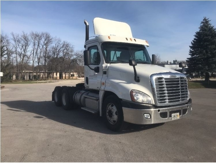Day Cab Tractor-Heavy Duty Tractors-Freightliner-2012-Cascadia 12564ST-PEWAUKEE-WI-280,365 miles-$39,250