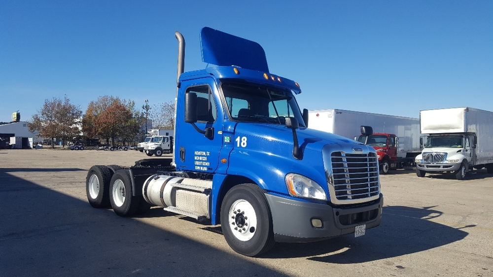 Day Cab Tractor-Heavy Duty Tractors-Freightliner-2012-Cascadia 12564ST-HAMMOND-LA-332,997 miles-$37,750