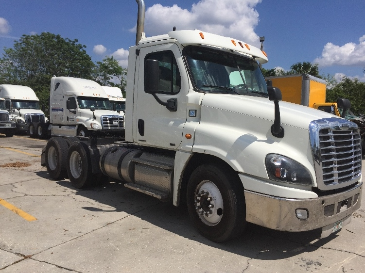 Day Cab Tractor-Heavy Duty Tractors-Freightliner-2012-Cascadia 12564ST-SARASOTA-FL-274,495 miles-$42,750