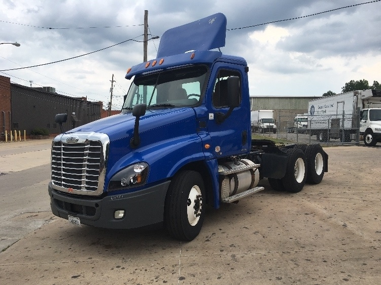 Day Cab Tractor-Heavy Duty Tractors-Freightliner-2012-Cascadia 12564ST-FREDONIA-NY-218,560 miles-$38,250